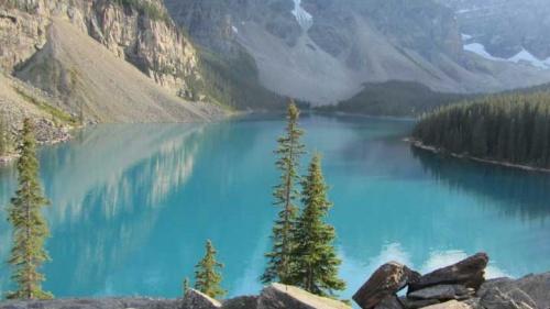 Linda vista da montanha no Lago Moraine, Parque Nacional de Banff, Alberta Canadá