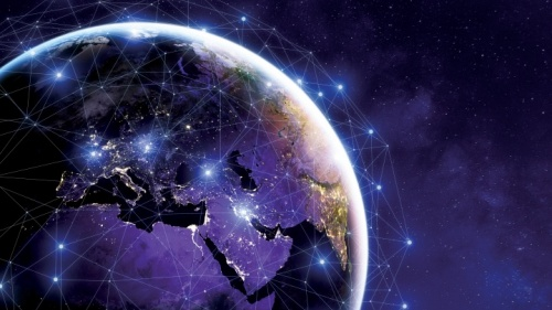Sinais digitais sendo enviados ao redor da Terra.