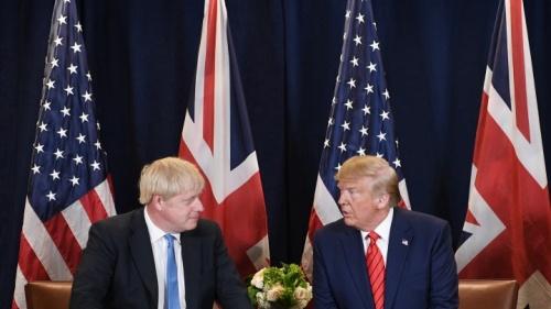O primeiro-ministro britânico, Boris Johnson, e o presidente dos EUA, Donald Trump.