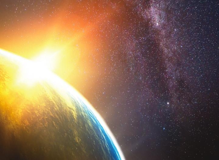 Raios de sol brilhando na terra.